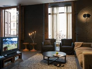 Sophisticated 1 Bed Apartment - Barcelona vacation rentals
