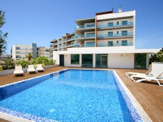 Aquarium Penthouse apartment 4D, private roof terrace, wifi and A/C - Lagos vacation rentals