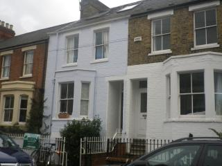 Romantic 1 bedroom Oxford Apartment with Internet Access - Oxford vacation rentals