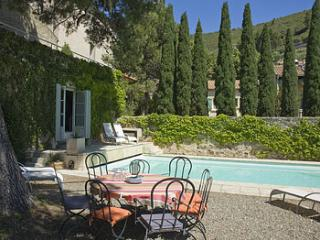 5 bedroom Villa in Roquebrun, Roquebrun, France : ref 2244610 - Roquebrun vacation rentals