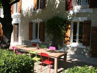 Mas avec piscine sud Ventoux - Luberon - Saint-Didier vacation rentals