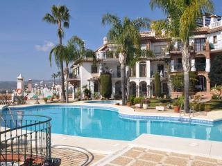 Beautiful Andalucian Property - Fuengirola vacation rentals