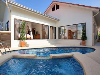 Luxury Pattaya pool villa - Pattaya vacation rentals