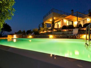 Cozy 3 bedroom Plaka Villa with Internet Access - Plaka vacation rentals