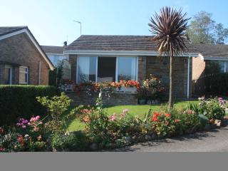 Beachside Holiday Bungalow, Port Eynon, Gower, UK - Port Eynon vacation rentals
