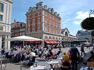 Luxury Covent Garden Piazza - London vacation rentals