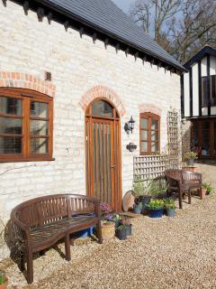 Jasmine Cottage, converted stables - Gloucester vacation rentals