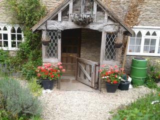 Ivy Cottage, Woolverton, Bath, Somerset. - Bath vacation rentals