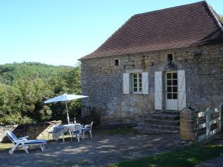 2 bedroom Gite with Swing Set in Sainte Mondane - Sainte Mondane vacation rentals
