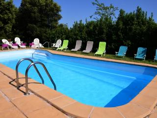 Comfortable Condo with Internet Access and Shared Outdoor Pool - Tortella vacation rentals