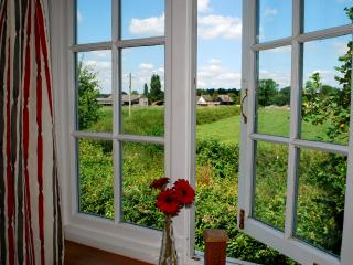 1 bedroom Apartment with Internet Access in Calne - Calne vacation rentals
