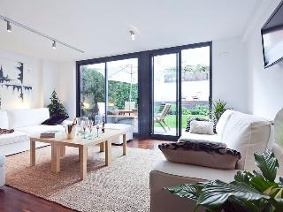P14.b.2 | Summer Garden II - Barcelona vacation rentals