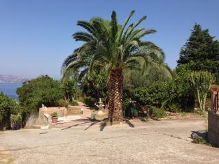 2 bedroom Villa with Internet Access in Porticello - Porticello vacation rentals