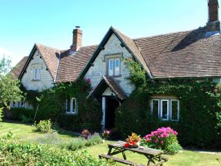dove cottage bed and breakfast - Calne vacation rentals