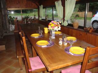 Domaine de  bellevue Vernet la Varenne - Aix-la-Fayette vacation rentals