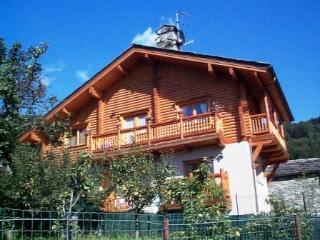 Bilocale in villa con giardino - Saint Vincent vacation rentals