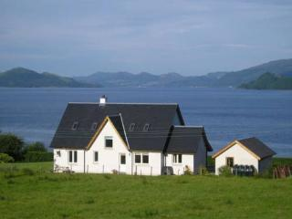 Spacious 4 bedroom Villa in Strachur - Strachur vacation rentals