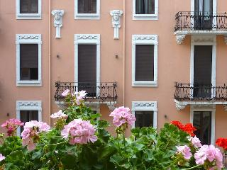 Studio 500m from Central Station - Milan vacation rentals