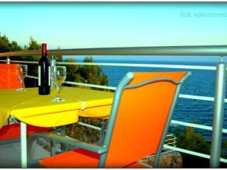 Ark 4* panoramic sea view studio, Seagull 2/2 - Split vacation rentals
