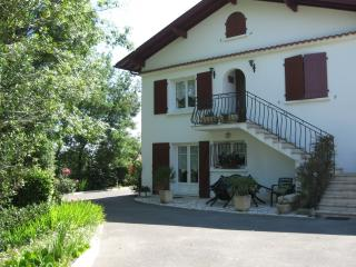 Nice Condo with Internet Access and Central Heating - Ahetze vacation rentals