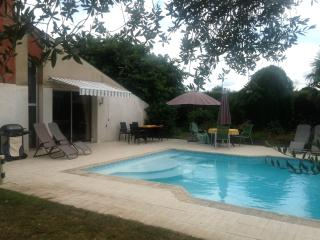 Des Arbres £ En-suites bedrooms & private Swimming - Nueil-les-Aubiers vacation rentals