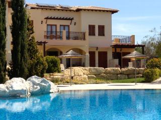 Apt Kyra - Paphos vacation rentals