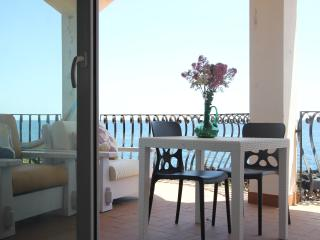 Seaside apartment in Stazzo - Stazzo vacation rentals
