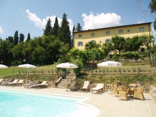 Villa di Catarsena, comfortable with heated pool - Bibbiena vacation rentals