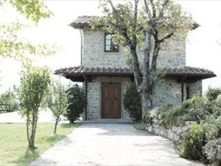 Borgo Corsignano -Casa Al Lago - Poppi vacation rentals