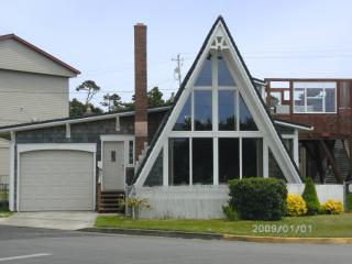 A-frame Beach House w/ hot tub Newport beach - Newport vacation rentals