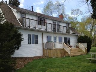 Lakefront Cottages in