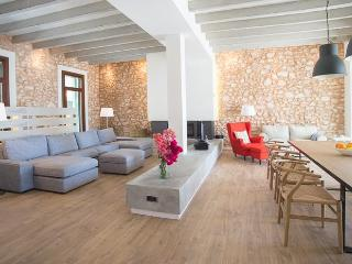Perfect 5 bedroom House in S' Horta - S' Horta vacation rentals