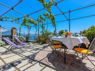 Beautiful 2 bedroom Villa in Amalfi - Amalfi vacation rentals