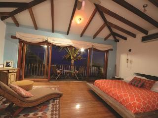 4 bedroom Villa with Internet Access in Puerto Villamil - Puerto Villamil vacation rentals