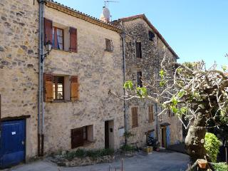 Town house with terrasse and Wifi, Fayence - Fayence vacation rentals
