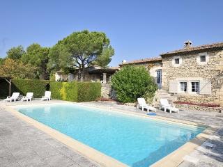 3 bedroom Villa in Gordes, Provence, France : ref 2017850 - Beaumettes vacation rentals