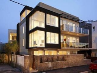 Melbourne 2 Bd 3 Bth By Beach. Home Away From Home - Elwood vacation rentals