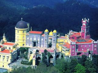 Sunny flat in Old Town Sintra - Sintra vacation rentals