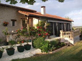 Nice 2 bedroom Cottage in Verteillac - Verteillac vacation rentals