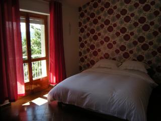Romantic 1 bedroom Borgo val di Taro Condo with Internet Access - Borgo val di Taro vacation rentals