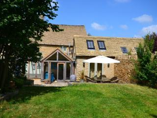 3 bedroom House with Internet Access in Burford - Burford vacation rentals