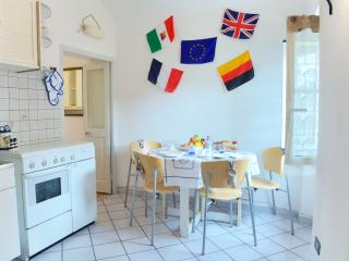 Apartment in Imperia, at only 20m from the sea - Imperia vacation rentals