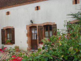 2 bedroom Gite with Internet Access in Mennetou-sur-cher - Mennetou-sur-cher vacation rentals