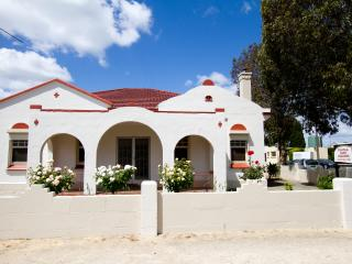 Nice Guest house with A/C and Garage - Penola vacation rentals