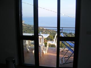 Beautiful 3 bedroom Apartment in Joppolo - Joppolo vacation rentals