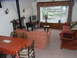 Comfortable 3 bedroom Cottage in Portmeirion with Satellite Or Cable TV - Portmeirion vacation rentals