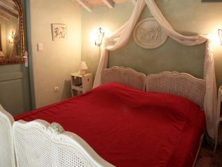 Romantic 1 bedroom Converted chapel in Bonnac - Bonnac vacation rentals