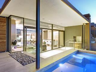 Magnificent Split-Level Designer Villa in Camps Bay - Bakoven vacation rentals