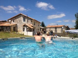 Perfect 3 bedroom House in Montbron - Montbron vacation rentals