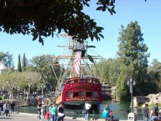 ** Walk to Disneyland!  Great Family Friendly Home - Anaheim vacation rentals